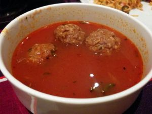 Tangy mince meatball in tomato soup